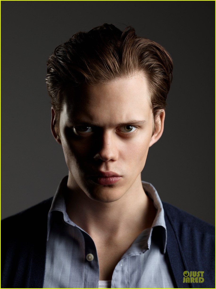 bill-skarsgard-it-ca-pennywise-grippesou-stephen-king