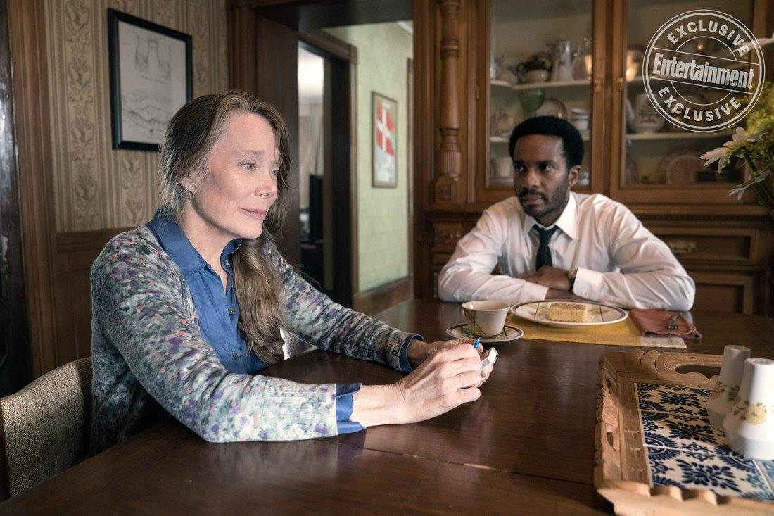 castle rock jj abrams stephen king sissy spacek andre holland