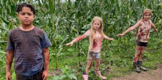 enfants-du-mais-children-corn-adaptation12