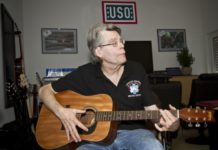 stephen-king-musique-guitare