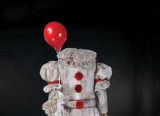 enchere-costume-ca-grippesou-bill-skarsgard